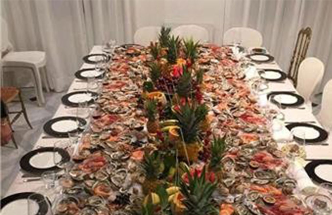 Une table de fruits de mer...